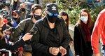 Νότης Σφακιανάκης: Με χειροπέδες στον εισαγγελέα - Τι είπε για το όπλο και την κοκαΐνη