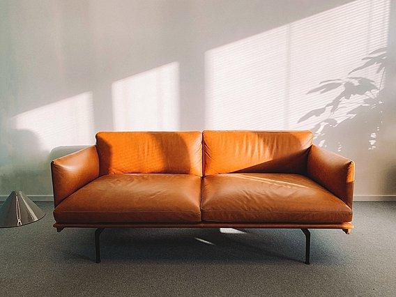 Ο καναπές σου έχει  καθίσει ; Να τι πρέπει να κάνεις