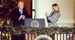 Melania & Donald Trump: Η τελευταία χριστουγεννιάτικη φωτογραφία στον Λευκό Οίκο ήταν πολύ... ανατρεπτική!