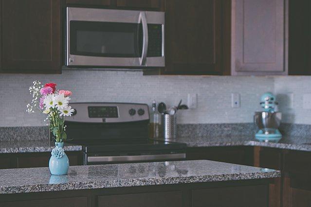 Ποια τρόφιμα δεν πρέπει να ζεσταίνονται σε φούρνο μικροκυμάτων