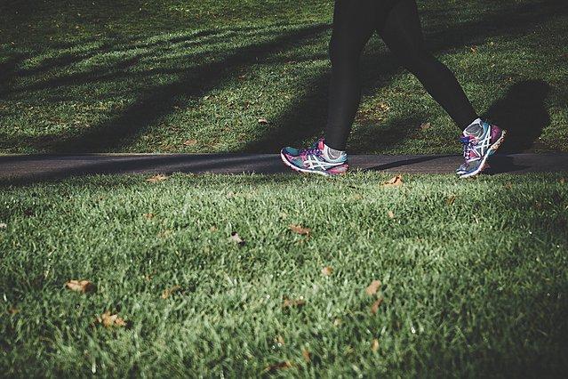 Περπάτημα: Τα 5 οφέλη για την ψυχική και σωματική σου υγεία