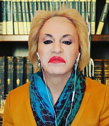 Τάκης Ζαχαράτος: Η Ματίνα Παγώνη ξεσπά: «Λυσσάξατε πια! Διασωληνωμένη από κανάλι σε κανάλι»