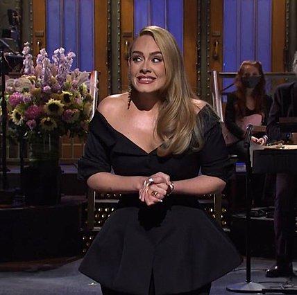 Adele: Δες τη να χορεύει πιο αδύνατη από ποτέ (βίντεο)
