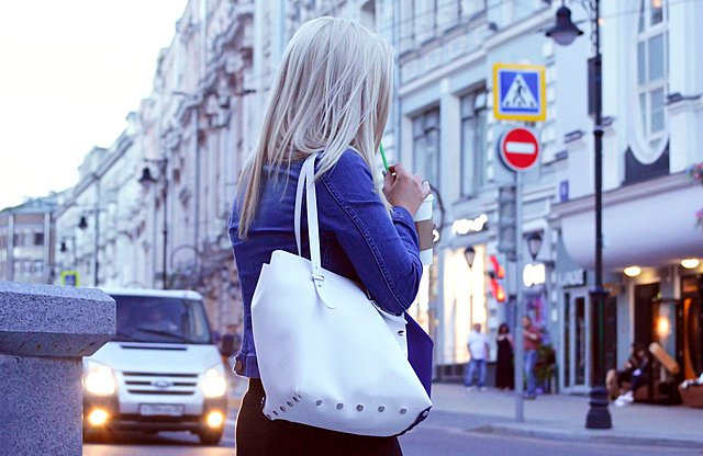 Ποια είναι τα 10 πράγματα που καλό είναι να έχεις πάντα μέσα στην τσάντα σου