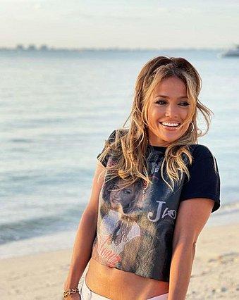 Jennifer Lopez: Έκανε την παραλιακή σκηνή του  Love Don't Cost a Thing  20 χρόνια μετά