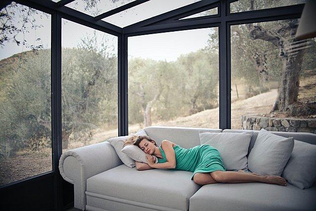 Μεσημεριανός ύπνος: Όχι μόνο σε ξεκουράζει αλλά κάνει καλό και στο μυαλό σου