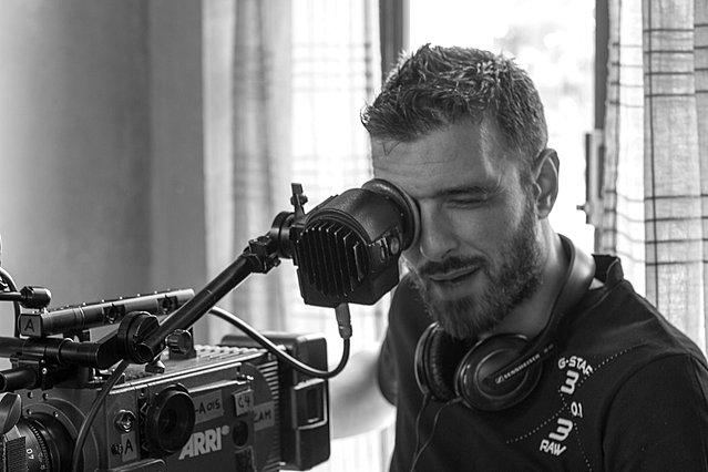 Σωτήρης Τσαφούλιας: Ο σκηνοθέτης του  Έτερος Εγώ  μίλησε για τα όσα γίνονται στο ελληνικό θέατρο και όλοι χειροκρότησαν [video]