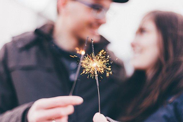 Βαλεντίνος στην καραντίνα: Πώς να περάσετε μια ρομαντική βραδιά στο σπίτι