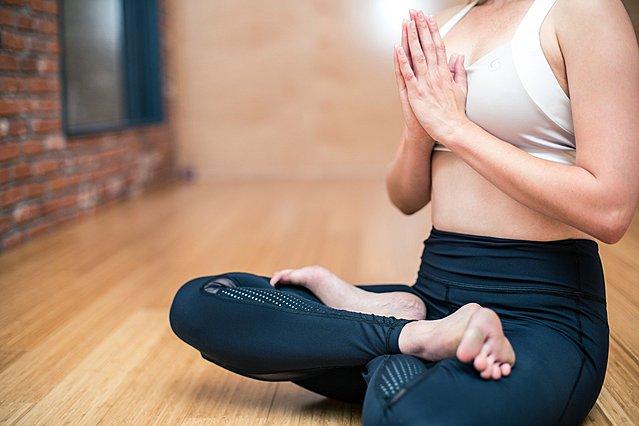 Τα 3 είδη γυμναστικής που μπορούν να σε βοηθήσουν να χάσεις κιλά στο σπίτι σου