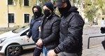 Δημήτρης Λιγνάδης: Στην ανακρίτρια με χειροπέδες - Κατηγορείται για βιασμό κατά συρροή