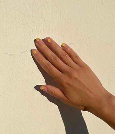 Το manicure trend που έρχεται να μας ανεβάσει τη διάθεση