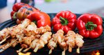 Τσικνοπέμπτη: Τα κατάλληλα συνοδευτικά και το ιδανικό επιδόρπιο για την αυριανή κρεατοφαγία