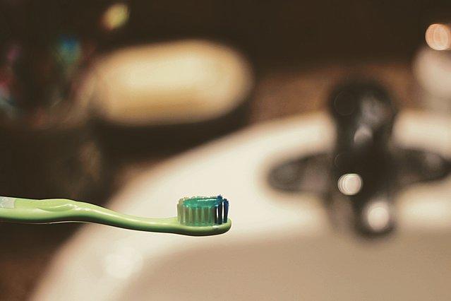 Όσα μπορείς να καθαρίσεις με την οδοντόκρεμα (εκτός από τα δόντια σου)