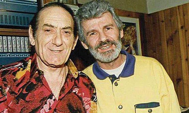 <p>Ο Τάκης Μουσαφίρης με τον Στράτο Διονυσίου. Η συνεργασία τους έχει αφήσει μερικές από τις μεγαλύτερες επιτυχίες στην ιστορία του ελληνικού τραγουδιού.</p>