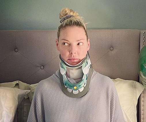 Katherine Heigl:  Τώρα είμαι βιονική  - Η δύσκολη επέμβαση στον αυχένα που της άλλαξε τη ζωή