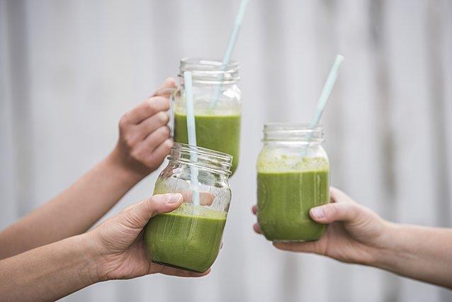 Πώς να φτιάξεις smoothie με αβοκάντο και πράσινο τσάι