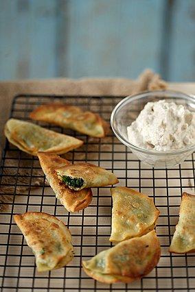 Μαραθόπιτα τηγανιού με μους ταραμά: Μια ξεχωριστή νηστίσιμη συνταγή όλο γεύση