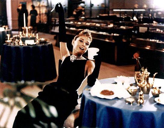 Audrey: Ετοιμάζεται νέα σειρά για τη ζωή της σταρ Audrey Hepburn
