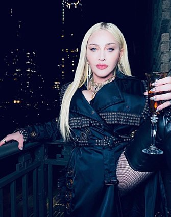 Madonna: Καπνίζει μαριχουάνα και δηλώνει ερωτευμένη με τον 27χρονο χορευτή της