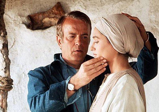 Πέθανε ο σκηνοθέτης του  Iησού από τη Ναζαρέτ , Franco Ζeffirelli - Το  αντίο  της  Παναγίας  Olivia Hussey