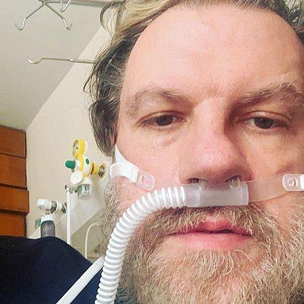 Κώστας Σπυρόπουλος: Εξιτήριο από το νοσοκομείο ύστερα από 17 μέρες - Η ανάρτηση με τις φωτογραφίες και τα  ευχαριστώ