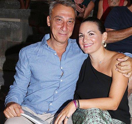 Όλγα Κεφαλογιάννη - Μίνως Μάτσας: Παντρεύτηκαν σε στενό οικογειακό κύκλο και το ανακοίνωσαν με αυτό τον τρόπο