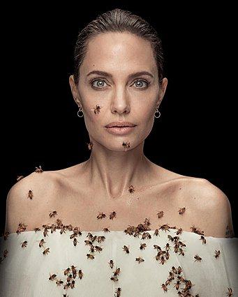 Angelina Jolie: Τι κάνει 18 λεπτά ακίνητη, καλυμμένη με μέλισσες; Πόσα τσιμπήματα είχε;