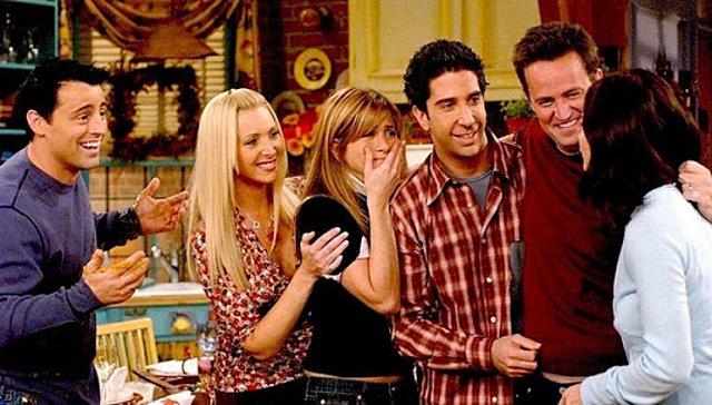 Friends: Ξαναθυμόμαστε τι έγινε στο τελευταίο επεισόδιο της σειράς και ένα δάκρυ το ρίχνουμε [video]