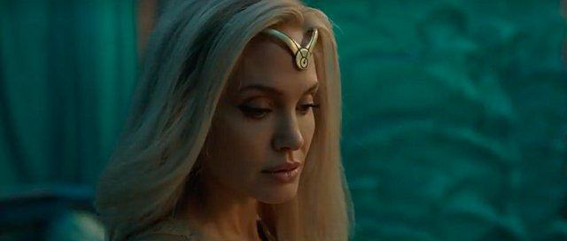 Angelina Jolie: Η τολμηρή μεταμόρφωση σε ξανθιά για τις ανάγκες της νέας της ταινίας [video]
