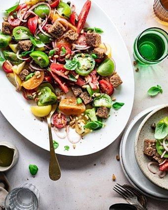 Η συνταγή για υπέροχη ιταλική panzanella