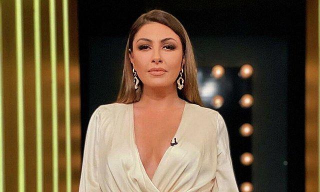 Έλενα Παπαρίζου: Η αποστομωτική της απάντηση στα αρνητικά σχόλια για τα κιλά της