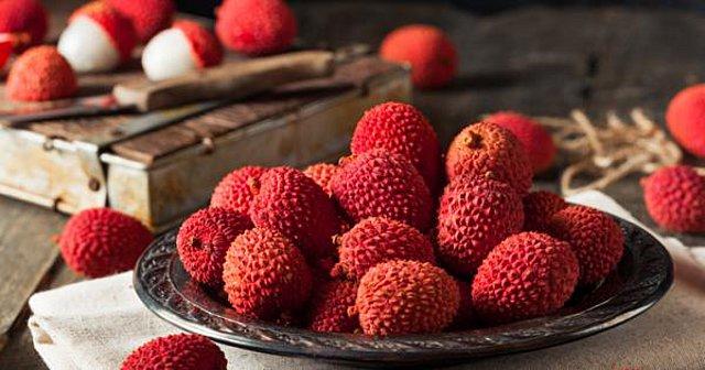 9 λόγοι για να δοκιμάσετε τα εξωτικά lychees αυτό το καλοκαίρι