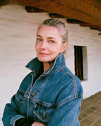 Paulina Porizkova: Σε φοβερή φόρμα στα 56 της ποζάρει με καυτό μπικίνι και εντυπωσιάζει