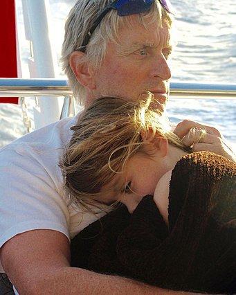 Michael Douglas: Η αντίδρασή του όταν τον πέρασαν για παππού της κόρης του