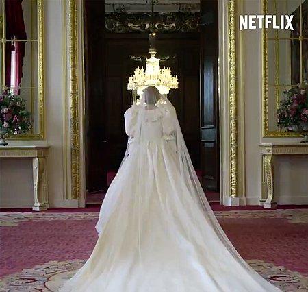 The Crown: Ποια ηθοποιός θα υποδυθεί την Diana στον πέμπτο κύκλο της σειράς