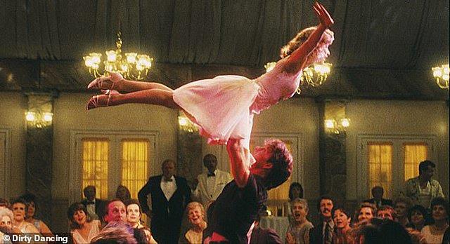 Dirty Dancing: Νέο τηλεοπτικό παιχνίδι με διάσημους που αναβιώνουν χορογραφίες της θρυλικής ταινίας