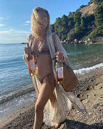 Kate Hudson: Συνεχίζει τις διακοπές της στην Ελλάδα και οι νέες φωτογραφίες που μοιράστηκε είναι απίθανες