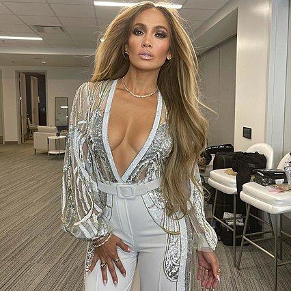 Jennifer Lopez - Ben Affleck: Νέες τρυφερές φωτογραφίες στο αυτοκίνητο ενώ είναι κολλημένοι στην κίνηση