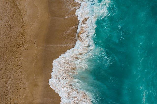 Γιατί το να βρίσκεσαι κοντά στο νερό μπορεί να είναι το κλειδί για την ευτυχία
