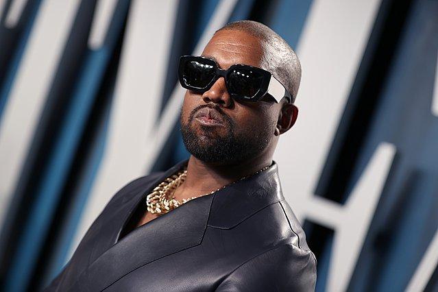 Ο Kanye West αλλάζει το επίθετο του - και η επιλογή είναι πολύ περίεργη