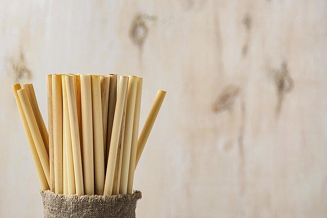 Πώς να καθαρίσεις το επαναχρησιμοποιήσιμο καλαμάκι