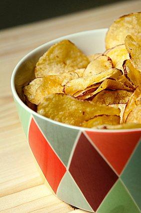Πώς να φτιάξεις υγιεινά σπιτικά πατατάκια