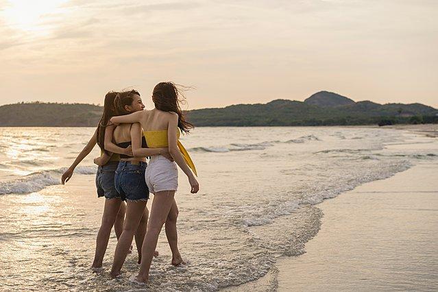 Οι μύθοι που πρέπει να αγνοήσεις για τις φιλίες στην ενήλικη ζωή