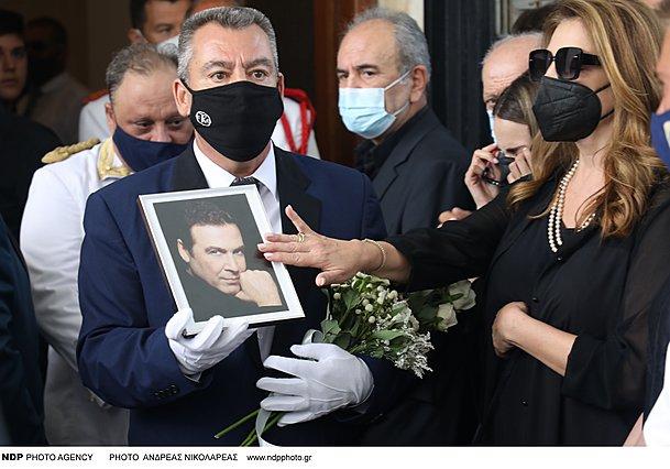 Άντζελα Γκερέκου: Σταματά, προσωρινά, τα γυρίσματα λόγω πένθους