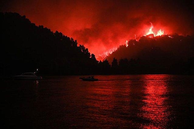 Ο απολογισμός από τα πύρινα μέτωπα - Περισσότερα από 650.000 στρέμματα οι καμένες εκτάσεις σε Εύβοια, Αττική και Λακωνία