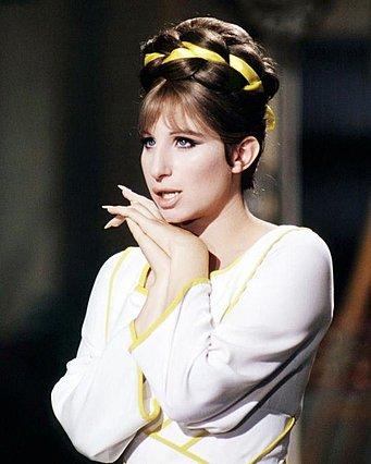 Barbra Streisand: Η αποκάλυψη για τον πρίγκιπα Κάρολο και για το πώς παραλίγο να γίνει η «πρώτη Εβραία πριγκίπισσα»
