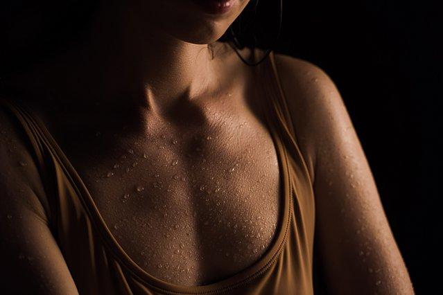 Ιδρώνεις υπερβολικα; Τι μπορεί να σημαίνει και πώς μπορείς να αντιμετωπίσεις