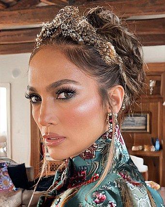 Jennifer Lopez: Το απίστευτο στυλιστικό ατόπημα στο show των Dolce & Gabbana