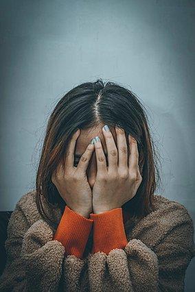Η ψυχολογική μέθοδος που θα σε βοηθήσει να καταλάβεις γιατί δεν αισθάνεσαι καλά