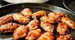 Λαχταριστές μαριναρισμένες φτερούγες κοτόπουλο με γιαούρτι